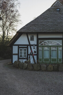 Germany, Mecklenburg-Western Pomerania, Ahrenshoop, hatched-roof house, fisherman's house - ASCF00836