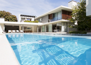 Modern house and swimming pool - CAIF03672