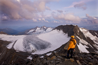 Austria, Tyrol, Stubaital, Stubai Alps, Wilder Pfaff, hiker - CVF00231
