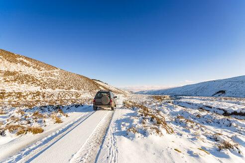 United Kingdom, Scotland, East Lothian, Lammermuir Hills, off-road vehicle - SMAF00958