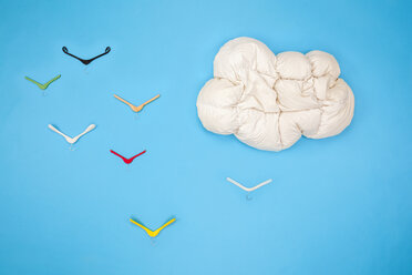 Blanket cloud in the sky with clothes hanger birds - BAEF01534