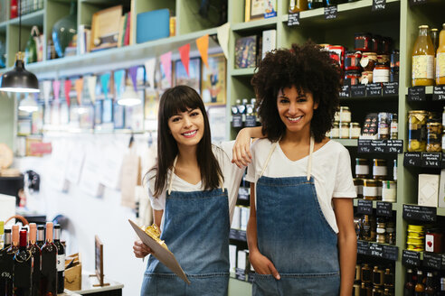 Portrait of two smiling women in a store - EBSF02199