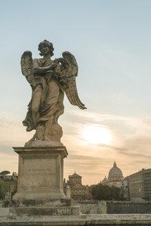 Italy, Lazio, Rome, Angel on Ponte Sant'Angelo - TAMF00944