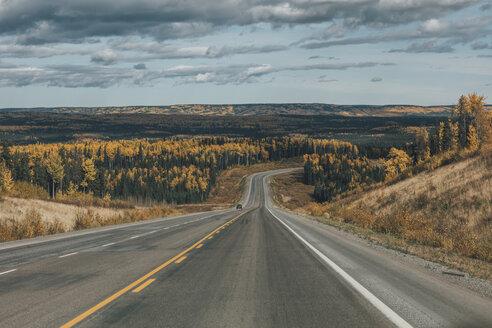 Canada, British Columbia, Northern Rockies, Alaska Highway in autumn - GUSF00358