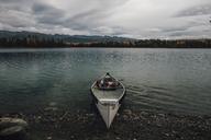 Canada, British Columbia, Boya Lake, Boya Lake Provincial Park, kanu - GUSF00373