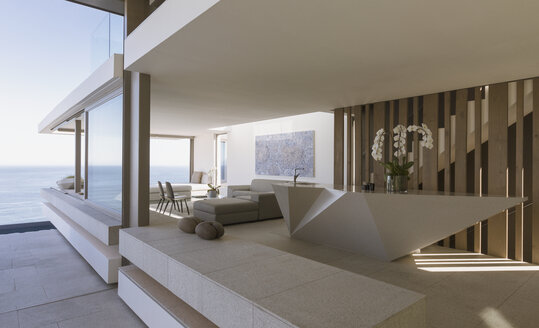 Modern, luxury home showcase interior with ocean view - HOXF01295