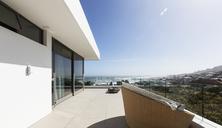 Sunny home showcase exterior balcony - HOXF01985