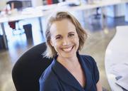 Portrait smiling businesswoman - HOXF02945