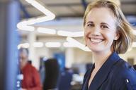 Portrait smiling businesswoman - HOXF02990