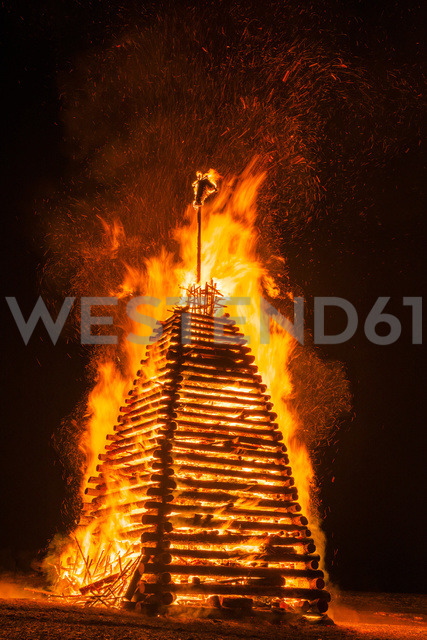 Germany, Bavaria, Reichenbach, Bonfire, wood tower - WGF01169