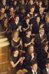 Clapping theater audience - CAIF08145