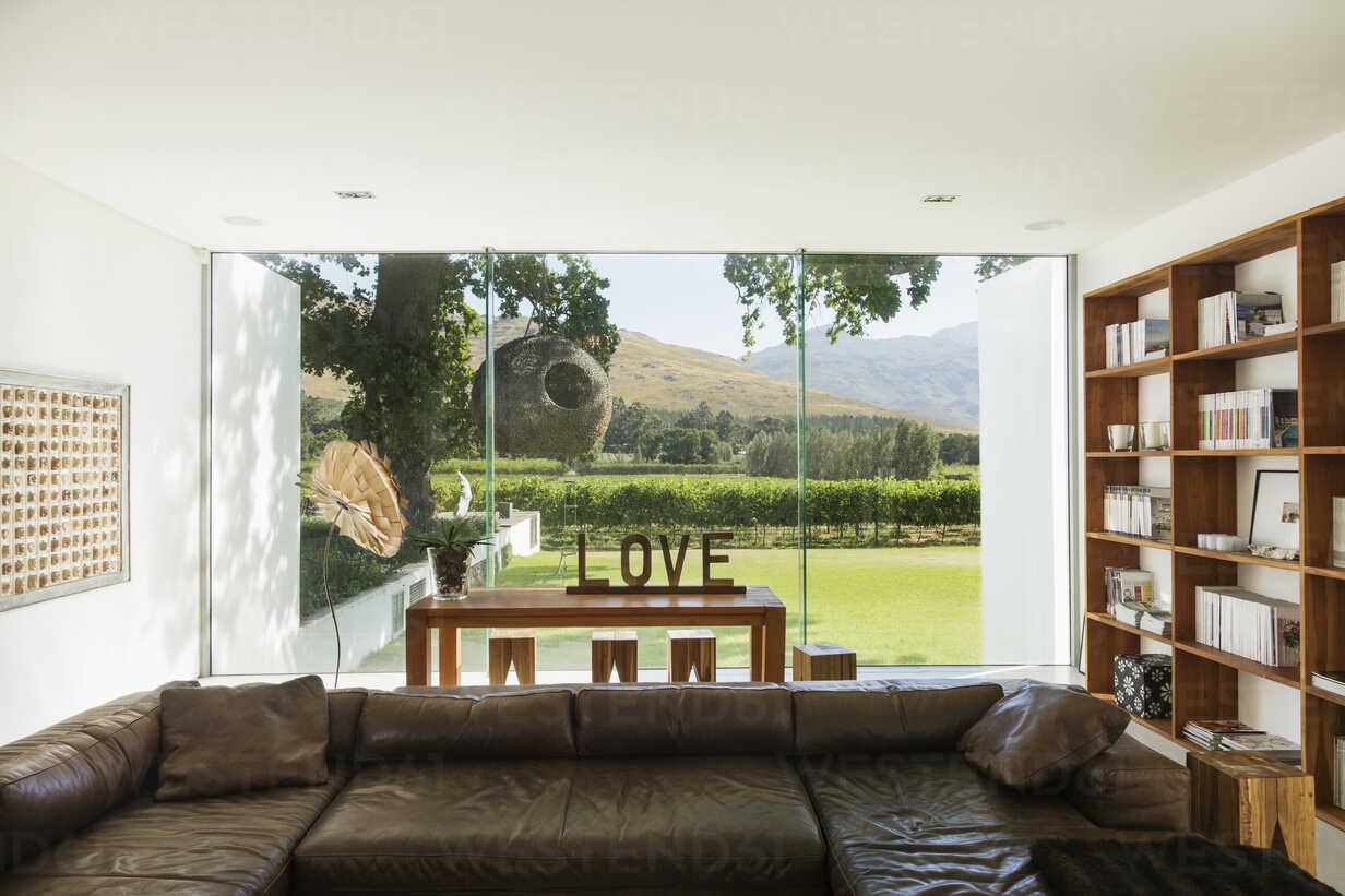 Living room overlooking garden - CAIF17981 - Astronaut Images/Westend61