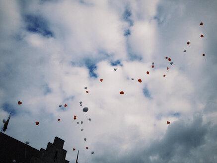 Heart-shape balloons in the sky - EVGF03304