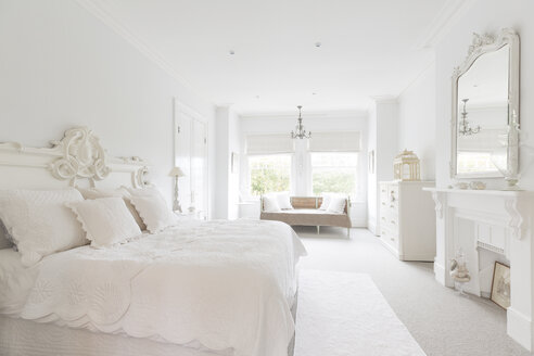White, luxury home showcase interior bedroom - CAIF20144
