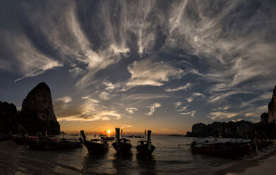 Thailand, Krabi, Railay beach, long-tail boats at sunset - ALRF01029
