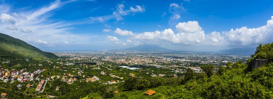 Italy, Campania, Amalfi Coast, Peninsula of Sorrent, Salerno, Corbara, view to Gulf of Naples, Castellammare di Stabia, Pompei, Vesuv in the background - AMF05677