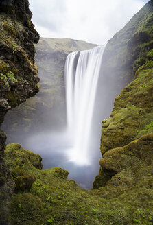 Iceland, Skogafoss Waterfall - STCF00515