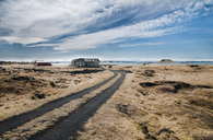 Iceland, Myvatn, residential houses at lake - STCF00539