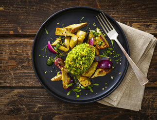 Filled and gratinated avocado with egg and artichoke - KSWF01849
