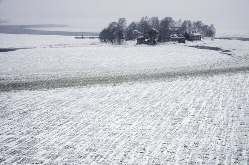View of frozen sea and house on island - FOLF00081