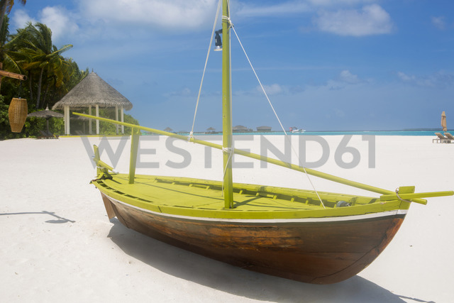 Maldives, boat on the beach - ZEF15243