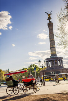 Victory Column and tourist tricycles - FOLF00905