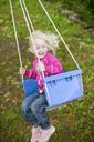 Girl on swing - FOLF01326