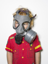 Boy wearing gas mask - FOLF01461