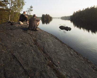 Men looking at Lake Halen - FOLF01760