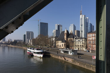 Germany, Hesse, Frankfurt, Financial district and Main river, promenade - WIF03496