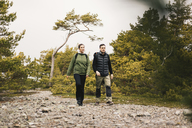 Couple hiking - FOLF04861