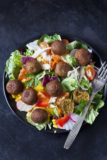 Bowl of mixed salad with vegetable balls - CSF29001