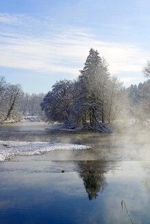 Germany, Bavaria, Upper Bavaria, Loisach in winter - LHF00559