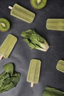 Homemade kiwi chard popsicles - SKCF00384