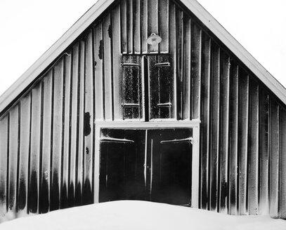 Barn in winter - FOLF07871