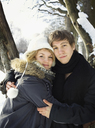 Portrait of young couple in winter clothes - FOLF09428
