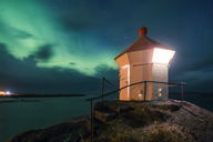 Norway, Lofoten Islands, Eggum, northern lights at the coast - WVF00934