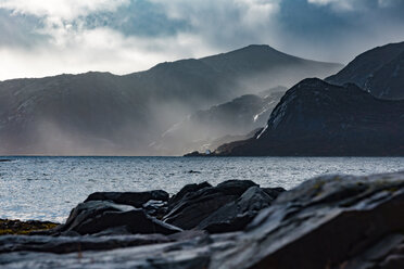 Norway, Lofoten Islands, Gravdal, coast and sea - WVF00940