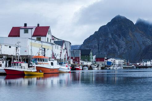 Norway, Lofoten Islands, Henningsvaer - WVF01001
