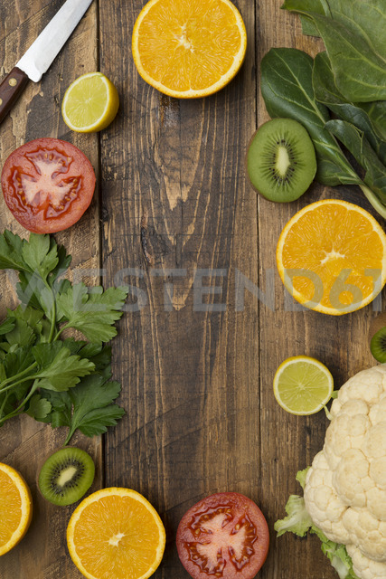 Fruits and vegetables on wood - SKCF00399