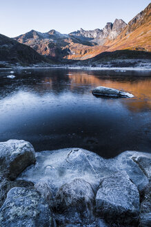 Norway, Lofoten Islands, frozen water - WVF01056