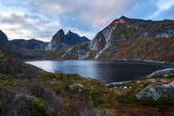 Norway, Lofoten Islands, Å i Lofoten, lake in autumn - WVF01097