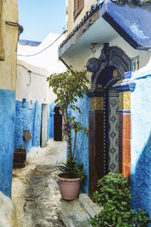 Morocco, Rabat, alley and house entrance - TAMF01022