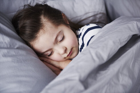 Portrait of sleeping little girl - ABIF00276