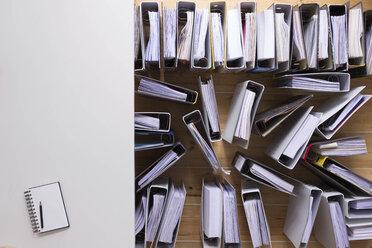 Desk and folders - CMF00792