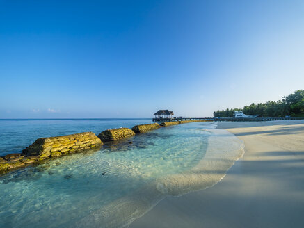 Maledives, Ross Atoll, beach, bank reinforcement in water, marine conservation - AMF05684