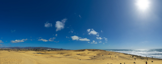 Spain, Canary Islands, Gran Canaria, Maspalomas, dunes against the sun - FRF00641