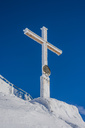 Germany, Bavaria, Allgaeu, Allgaeu Alps, summit cross on Nebelhorn - WGF01176