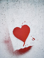 Stenciled heart on a wall - MUF01528
