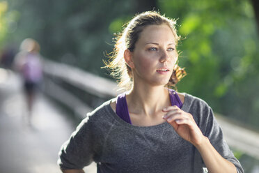 Young woman jogging - MASF05890